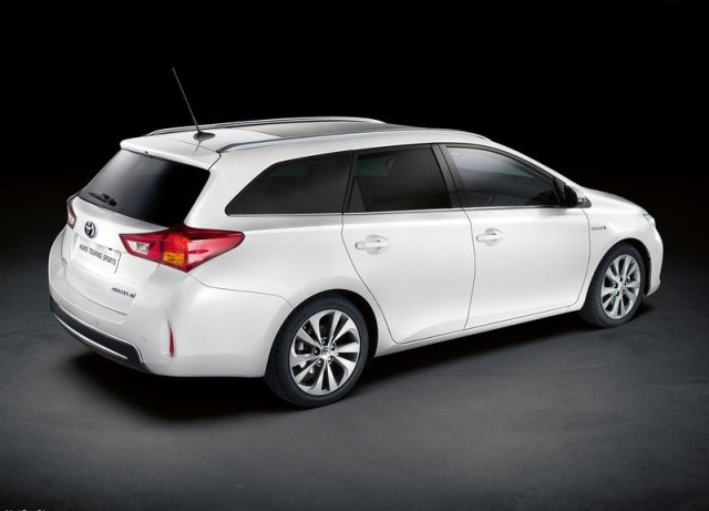 Toyota Auris Sw Touring Sports