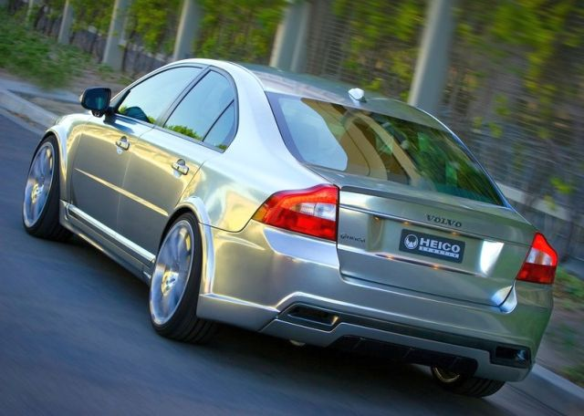 VOLVO_S80_tuned_by_HEICO_rear_pic-3