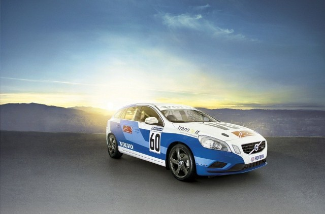 VOLVO V60 RALLY CAR