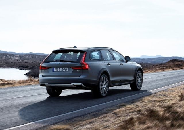 VOLVO V90 CROSS COUNTRY I Oopscars