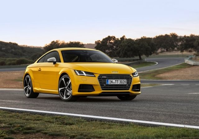 Yellow_AUDI_TTS_COUPE_pic-3